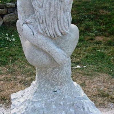 Amour sauvage, Menet 2016, sculpture en trachyte (xxcm)