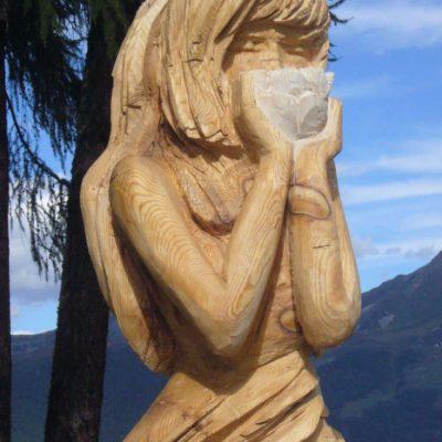 Fragrance, Thyon 2011, sculpture en bois d'Arole (260x120x120cm)