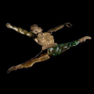 Le saut de Noureev, sculpture en bronze (176x145x20cm)