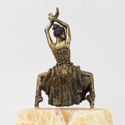 Ballerine, danseuse en équilibre, sculpture en bronze, onyx indien (30x20x10cm)