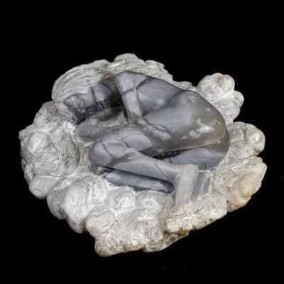 Femme dans un nuage, sculpture en albâtre du brésil