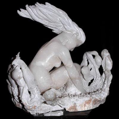 Fille de l'eau, sculpture en Albâtre de Volterra (60x67x44cm)