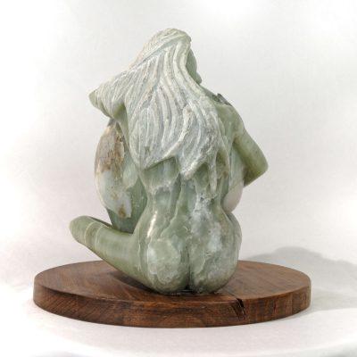 Gaïa, déesse de la terre, sculpture en Stéatite du brésil (27x25x20cm)