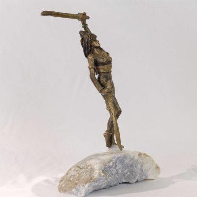 Guerrière au sabre, sculpture en bronze (35x20x13cm)