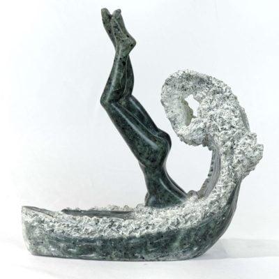Le plongeon, sculpture en Stéatite du brésil (30x35x15cm)